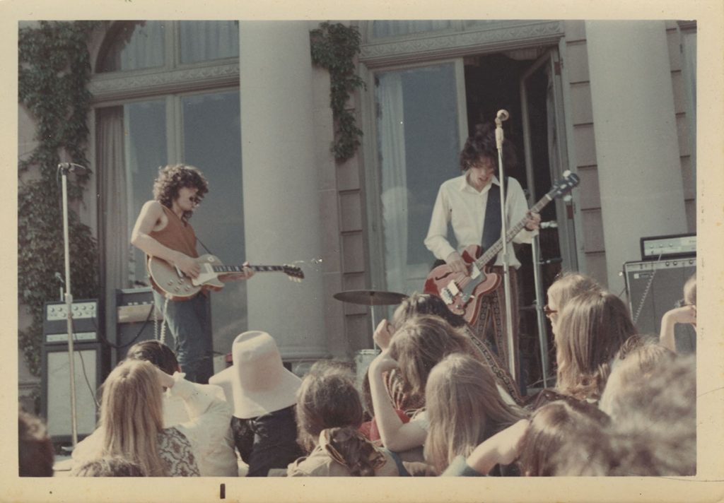 Bruce springsteen plays a Monmouth